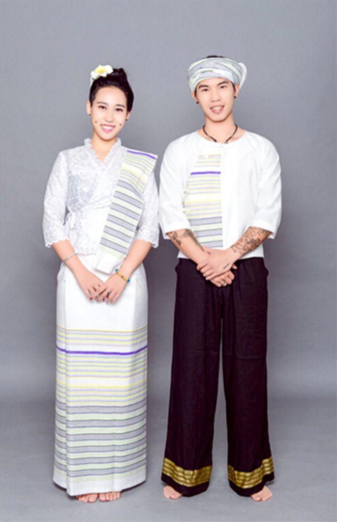 """景洪继美民族服饰:""""金剪刀""""剪出民族新时尚"""