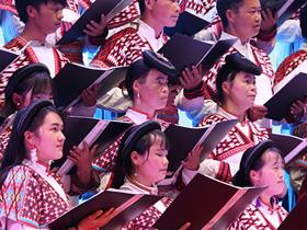 小水井苗族农民合唱团从田间地头唱到国际舞台