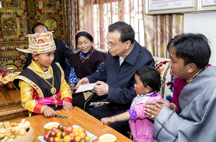 李克强在西藏考察时强调:加强民族团结 推动富民兴藏