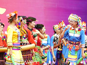 循着葫芦丝声回到葫芦丝之乡——2018中国•梁河国际葫芦丝文化旅游节开幕