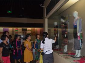 勐海县佛双社区开展民族传统教育活动