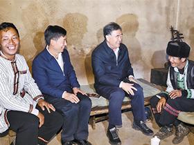 汪洋在云南调研:深入扎实做好民族宗教和脱贫攻坚工作