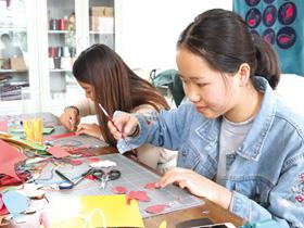 红河州民族师范学校:校园里的民族范儿