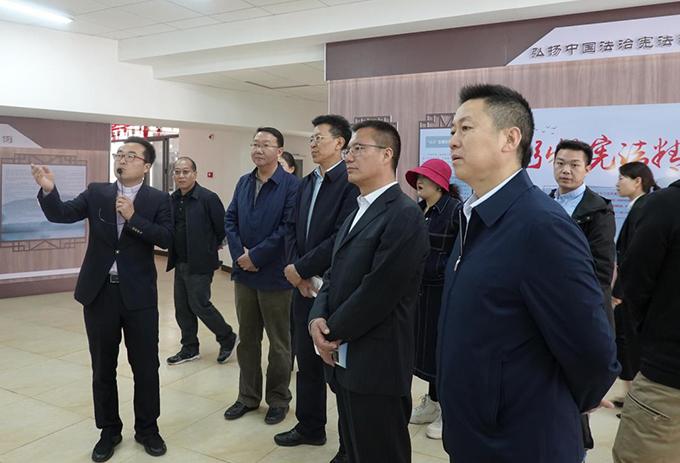 西藏自治区考察组到昆明市盘龙区考察民族团结进步创建工作