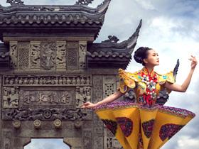 李致霖:在舞台礼服设计上融入云南民族工艺