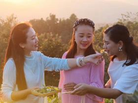 周丽娟:融入民族元素 做更好的茶服饰