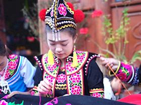 民族文化 在城与乡间亮丽溢彩