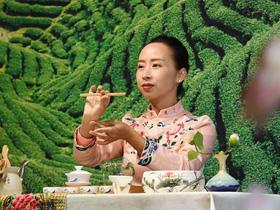 彝家女的多彩茶艺人生