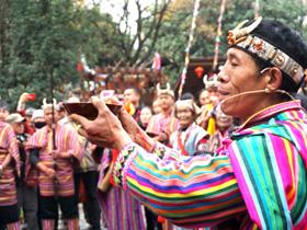 云南民族村庆祝独龙族卡雀哇节喜迎元旦