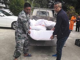 临沧市临翔区民族宗教局做好辖区宗教场所消毒药品发放工作