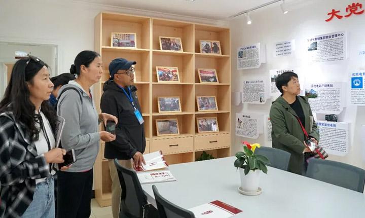 城市民族工作培训班走进昆明两社区开展现场教学