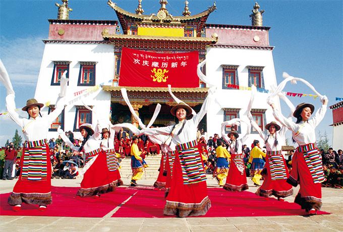 云南迪庆:构建各民族相互嵌入式的社会结构和社区环境